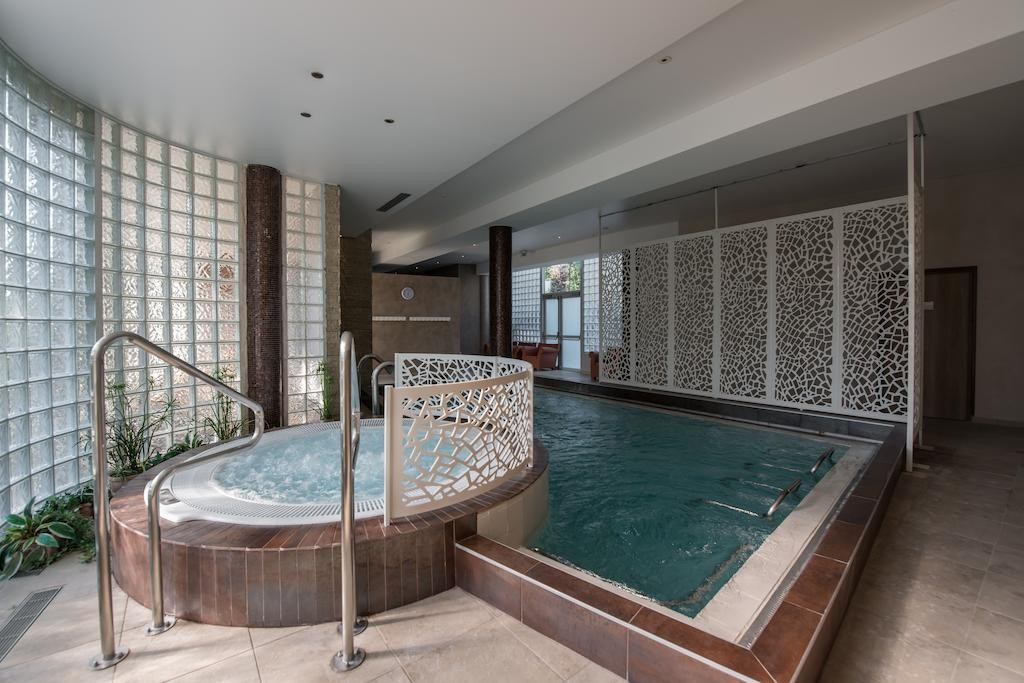 Quintessia Resort