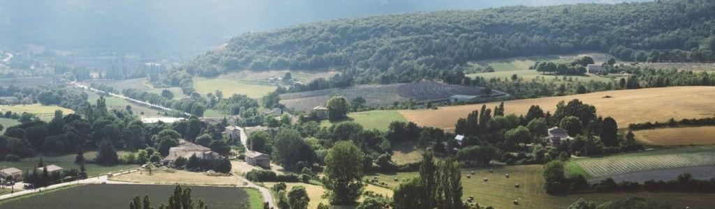 84-vaucluse-provence-alpes-cote-d-azur-gordes-1lieu1salle-seminaire-congres